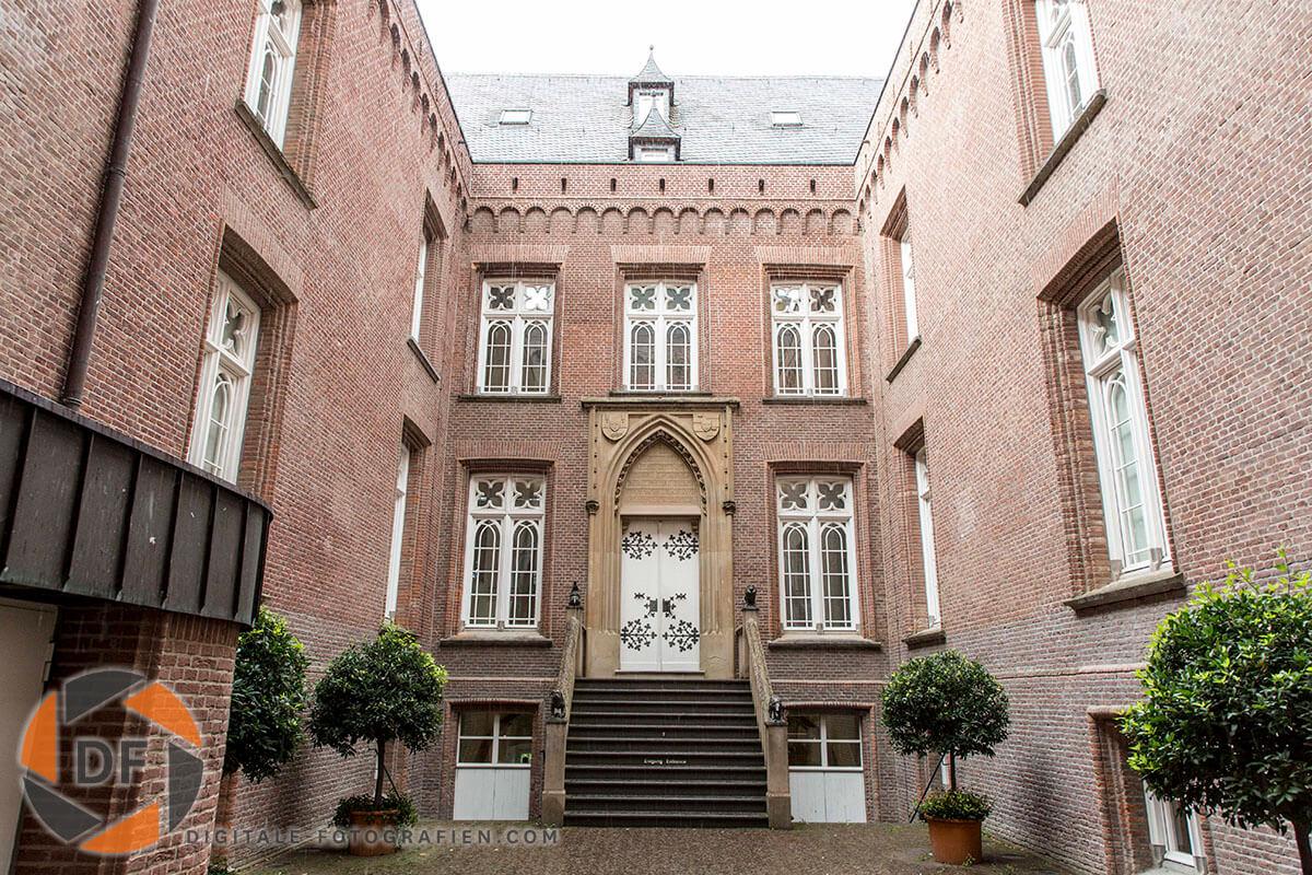 Museum-Schloss-Moyland-in-Bedburg-Hau-03